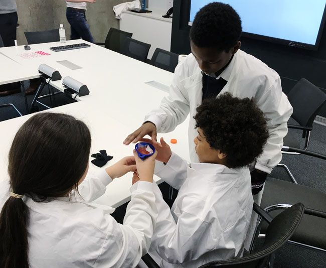 Millfields Year 6 visit Cancer Research UK and take on the job of a research scientist