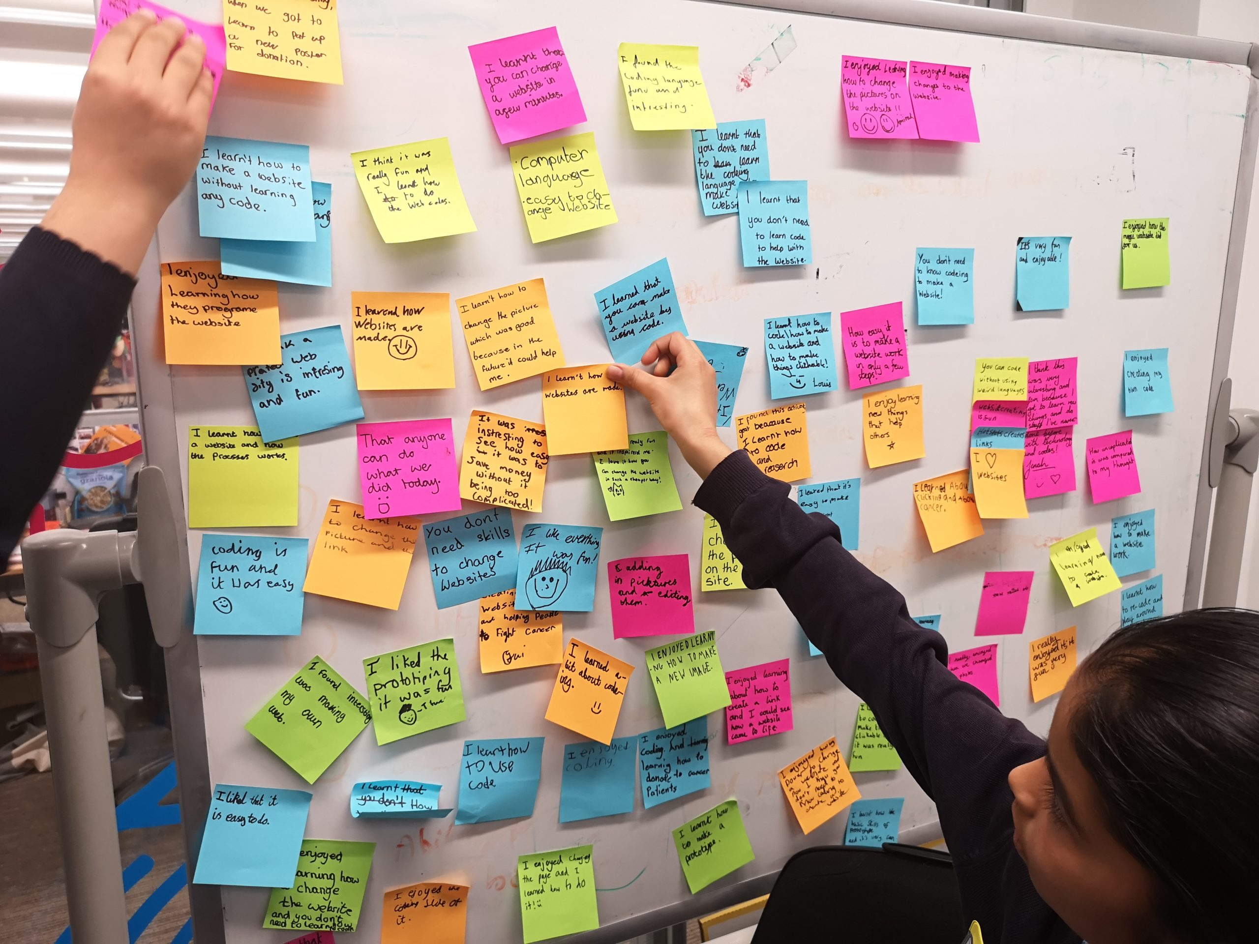 kids share post it ideas and feedback